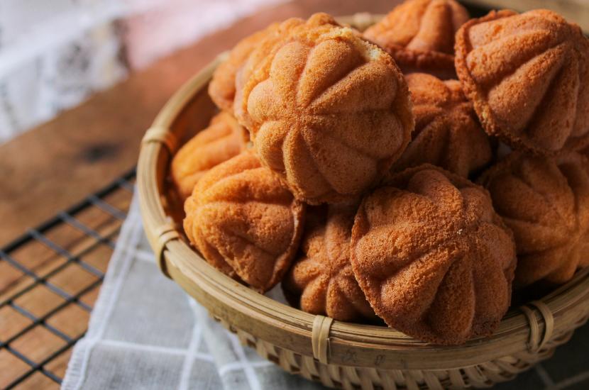 Kuih bahulu, the Top Chinese New Year Goodie