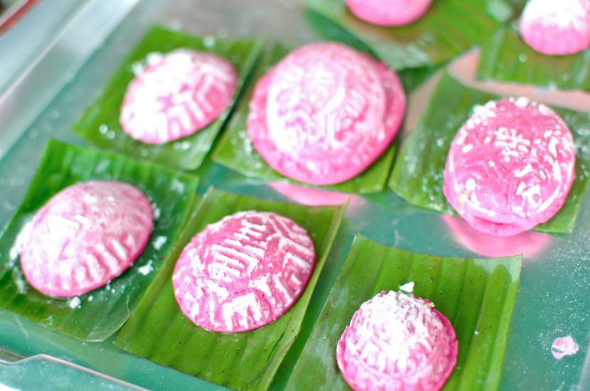 Ang Ku Kueh, made of glutinous rice flour like nian gao
